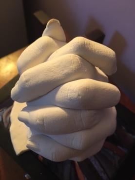 leah_hands
